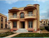 4 Bedroom Villa in Zahret Tagamoa-photo @index