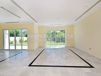 4 Bedroom Apartment in West Bay Lagoon-photo @index
